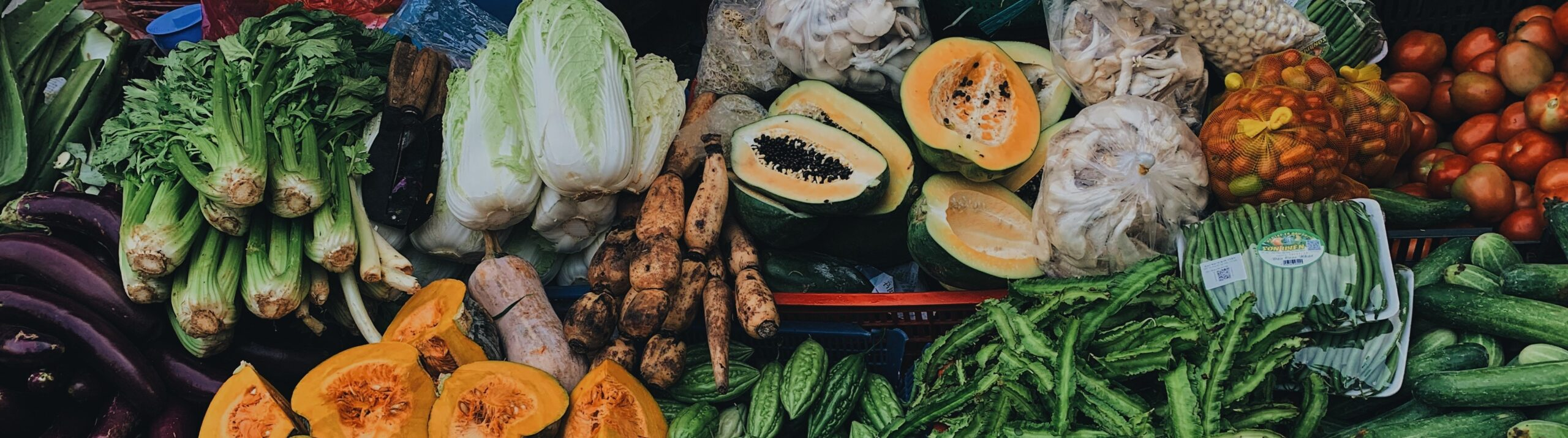 Group taking action              on vegetable front